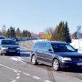 Kuivastu–Virtsu jääteel vajati üleeile politsei abi, kui mõned sõidukijuhid järjekorras seismisest pääsemiseks otsustasid ülbelt ette trügida.