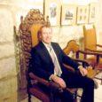 """Eile avati Kuressaare linnuse keldrikorruse näitusesaalis valiknäitus Saaremaa muuseumi kogudes leiduvatest toolidest """"Ole hea ja (ära) istu!""""."""