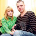 Kuressaares elavad Deisi Juns ja Kristjan Klaas otsustasid minisiga pidama hakata. Tänaseks on notsu nende pere lemmik olnud juba kaks kuud.