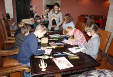 Saaremaa ajaloo talletajad luhvtitavad majapidamist
