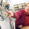 Eile seadis Valjala raamatukogu juhataja Tiia Lätt näitusele välja kaks kollektsiooni, ühe Toivo Sirkeli tikukarbietikettidest, teise Agnessa Sepa kääridest.
