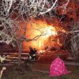 Laupäeval Pihtla vallas Vätta poolsaarel Suure-Rootsi külas tulekahju kustutanud päästjad avastasid pimedast kuurist kahtlased taimed.