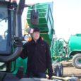 Neljapäeva hommikul võis kella kuuese parvlaeva peal näha põllurahva väikebusse ja sõiduautosid, mis kõik olid teel Tartusse, Eesti suurimale põllumajandusmessile.
