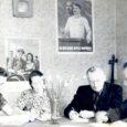 Täna, 30. aprillil tähistab Kuressaare muusikakool piduliku aktuse ja kontserdiga oma 60. juubelisünnipäeva. Tõsi, kool alustas tegevust juba 1950. aasta sügisel, kuna aga muusikakooli Komandandi tänaval asuva hoone renoveerimine lõppes alles 2010. aasta sügisel, lükati juubeli tähistamine edasi alanud õppeaasta lõppu. Alljärgnev materjal on peamiselt pärit Kuressaare muusikakooli veebilehelt.