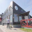 Kuressaare linnavalitsus on välja kuulutanud enampakkumise, et linna jahisadama hoone kohvikuruumidele rentnikku leida. Aastate jooksul on siin kohvikut pidada proovinud mitmed ettevõtjad, kuid kõik on lõpuks käed üles tõstnud ja […]