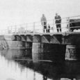 Jätkame nädal tagasi alanud lugu Nasva silla ajaloost. Lugu on päevakohane, sest peagi algav Nasva silla ümberehitus tähendab kindlasti uut etappi. Saaremaa ühe tuntuma silla minevikku on uurinud Nasval elav ajaloouurija KALLE KESKÜLA.
