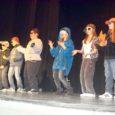 """Tänavuse Salme põhikooli heategevuskontserdi eesmärk oli raha kogumine põhikooli õpilastele kooli logoga T-särkide muretsemiseks. Ürituse moto oligi """"Särgist tunned sõpra!"""""""