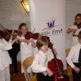 Läinud kuu lõpus toimus Stockholmis juba traditsiooniline keelpillimängijate festival Music First, mis mõeldud 4–15-aastastele noortele ja mille peakorraldaja on Natalja Namitova – viiuliõpetaja, kes on oma õpilastega käinud ka Kuressaares poiste keelpillifestivalil.