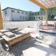 Riigi Kinnisvara on lõpetanud koostöö Kallemäe koolis töid teostanud Facio Ehitusega, tellija sõnul ei ole firma suutnud ehitust tähtaegselt lõpetada. Facio ise on hädas võlakoormaga alltöövõtjate ees.