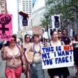 Uus liikumine Libude Paraad (ingl k Slutwalk) on tekitanud feministide ridades lahkheli, kirjutab Londoni päevaleht The Guardian. Kas tõesti aitab linnatänavatel alasti marssimine kuidagi protestida seksuaalse vägivalla vastu, esitab küsimuse ajakirjanik Tanya Gold, kes külastas üht esimestest säärastest meeleavaldustest Suurbritannias.