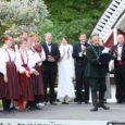 """Kuressaare lossipargi 150. juubeli pidustused said eile õhtul väärika lõpu pargi kõlakojas, kui arvuka publiku ette toodi kontsert-etendus """"Kohtumised pargis"""", kus esinejateks olid Kuressaare linnaorkester, harrastusnäitlejad ja tantsijad."""