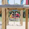 """Lasteaialaste nimekirju koostav Kuressaare linnavalitsus kinnitas, et vähemalt aiakohti jätkub kõigile mudilastele. """"Ma ei usu, et jääb üle neid lapsi, kes kohta ei saa ja seetõttu järjekord tekib,"""" ütles linnavalitsuse […]"""