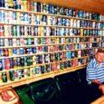 Kuressaares elaval ja Tallinnas töötaval Peetril on omalaadne kogu, mis koosneb tühjadest õllepurkidest. Hubasesse saunaruumi enda meisterdatud riiulitele on mees üles seadnud 1125 erinevat purki ning ükski neist ei kordu. Kollektsiooni teeb eriliseks asjaolu, et kõik õlled on mees ise ära proovinud.