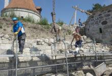 Rahapuudus ähvardab tööd Kuressaare kindluse juures seisata