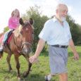 Eesti hobuste ja ratsaponide kasvatamisega tegelev OÜ Asva Hobusekasvatus alustas sel suvel huvilistele ratsutamise algteadmiste õpetamist.