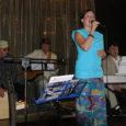 Läinud neljapäeval esitas lauljatar Helin-Mari Arder, keda saatis ansambel koosseisus Sven Kullerkupp, Karel Kasak ja Heiki Vilep, Kuressaares Arensburgi hotelli sohvabaaris Muusa valdavalt araabia, iraani, egiptuse jt idamaiseid lembelaule.