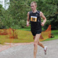 20. augustil võitis Muhu jooksu 22-aastane Ando Õitspuu (fotol) KJK-st Saare, kes edestas Kalev Õisnurme ja Raivo Allat. 17,2 km distantsi läbis Õitspuu ajaga 1.00,10, Õisnurme aeg oli 1.02,15 ja Allal 1.02,27.
