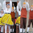 Homme sõidavad Orissaare rahvatantsurühma Viirelind noorem ja vanem rühm Hiinasse, Hongkongi ja Macausse. Pikale reisile läheb 22 tantsijat. Projektijuhtidena reisivad kaasa Orissaare kultuurimaja juhataja Anu Viljaste ja rühma juhendaja Anne […]
