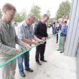 Orissaare vallas Väike-Pahilas avati Saaremaa piimandusajaloo uus peatükk, sest talunik Toomas Haamer läheb neil päevil oma värskelt rekonstrueeritud farmihoones esimese talunikuna üle robotlüpsile. Saaremaa esimese robotlauda ehitas 2009. aastal Valjala POÜ.