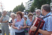 Saarlased laulsid Turus regativõitjaile ja süütasid Aura jõel muinastule