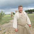Oktoobris sõidab OÜ Saare Rätsep esindaja, Salme vallas Lõu külas villavabrikut rajav lambakasvataja Egon Sepp Ameerikasse villa töötlemise masinate ostmiseks lepinguid sõlmima.