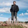 Tänavune massiline lammaste murdmine pole Saare maakonnas veel lõppenud. Eile leidis lambakasvataja Ivo Lepik oma karjamaalt taas neli murtud lammast. Üht lammast oli söödud, teistel aga lihtsalt kõrid läbi puretud.