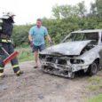 Eile süttis Valjala vallas sõiduauto, mis tules ka hävis. Auto juht õnneks kannatada ei saanud. Autost jäi järele vaid vrakk ja sodi, mida päästjad pärast tule kustutamist koos autojuhiga kokku kraapisid ja teelt koristasid.