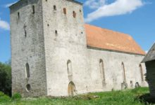 Riik toetab Pöide ja Kuressaare Laurentiuse kiriku renoveerimist