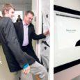 Eile avati Kuressaare ametikoolis Saare maakonna esimene iMaci arvutitega varustatud arvutiklass. Vaikushetkega meenutati samal päeval lahkunud suurmeest, Apple'i asutajat Steve Jobsi.