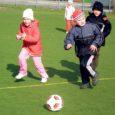 FC Kuressaare kutsub tuleval esmaspäeval ja neljapäeval kõiki koolieelikuid koos vanematega tutvuma lasteaialaste jalgpallitrenniga.
