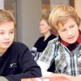 Eile toimus Saare maakonna keskraamatukogus maakonna 6. klasside õpioskuste võistlus, millest võtsid osa 14 kooli 5-liikmelised võistkonnad koos õpetajatega.
