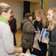 """Saare maakonna noorte üheksandat korda toimunud aasta suurim noorteinfo- ja karjääriteemaline üritus """"Tuleviku kompass"""" lõi eile külastajate rekordi. Kuressaare kultuurikeskusest käis läbi üle 900 noore."""