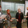 """Saare maavalitsus ja SA Saaremaa Arenduskeskus tunnustasid eile kodanikuühiskonna konverentsil """"Vabatahtlikkus – Saaremaa 2011"""" maakonna parimaid kodanikuühendusi."""