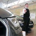 Audi esindusel täitus septembris Kuressaares tegutsema asumisest viis aastat. Audi Eestisse tooja Al Mare Auto OÜ tegevjuht Peeter Tiitson on saarlane ja tema usub, et Kuressaares esinduse avamine oli toona igati õige otsus.