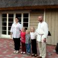 Orissaare vallast Hindu külast pärit tuntud pärimusmuusik Aleksander Sünter ehk Sünteri Sass plaanib tuleval suvel koos perega Viljandist Saaremaale kolida.