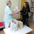 """Jõulude eel kinkis mittetulundusühing Naerata Ometi Kuressaare haigla lasteosakonnale mänguasju. Heategevusorganisatsiooni ettevõtmine sai teoks projekti """"Jõulud haiglas"""" raames, mille tarvis pani lelud välja Juku mänguasjakeskus."""