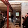 Viimase kahe aasta jooksul on Saaremaal ja Muhus kaks ehitusega seotud juhtumit, kus tuntud ühiskonnategelane ja soomlasest ettevõtja kurdavad, et nad on langenud pettuse ohvriks.
