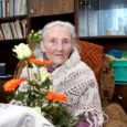 Pühapäeval tähistas oma 101. sünnipäeva Saare maakonna üks vanemaid elanikke, Valjala alevikus elav Marie Väli. Väike armas vanaproua on oma vanuse kohta väga tubli ja krapsakas.