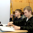 Saaremaa arenduskeskuse juhataja Piret Piheli sõnul on üks võimalus kohtades, kus õpilaste arv jääb väga väikeseks, muuta põhikool kas kolme- või siis näiteks kuueklassiliseks algkooliks.