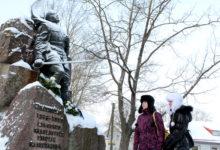 Vabadussõdalaste monumendile asetati pärjad ja lilled