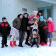 Ajal, mil krõbe talveilm mandril klassiruumid tühjaks jätab, on Saaremaal külma tõttu koolist koju jäänud vaid üksikud lapsed.