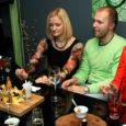 Kui ikka saarlaste kogunemiskohal Tallinnas Mosaiigi kohvikul on sünnipäev, tulevad peole muidugi saarlased või saarlaste sõbrad. Ja vähe neid ei ole.