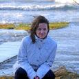 Saare maavalitsus on juba mõnda aega otsinud Kõinastule saarevahti. Läänemaalanna Mari-Liis Pae (31), kes end detsembris saarele sisse kirjutas, kavatseb sinna kevadel elama asuda ja kandideerida ka saarevahiks.