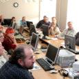 Esmaspäevast neljapäevani toimusid kümnes paigas Saaremaal ja Muhus arutelud ühtse õunapuuaedade võrgustiku loomiseks, et tagada õunakasvatajatele paremaid koolitusi, tootmis- ja turustamistingimusi. MTÜ Saaremaa Viljapuuaiad on algatanud kaks aastat kestva projekti, mille käigus uuendatakse maakonnas 30 vana õunapuuaeda.