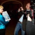 Eile õhtul Tallinnas toimunud 2011. aasta Eesti ajakirjanduspreemiate jagamisel sai Saarte Hääl kaks preemiat. Saarlaste päevaleht on Eesti Ajalehtede Liidu žürii hinnangul eelmise aasta parima kujundusega ajaleht alla 20 000 tiraažiga lehtede seas.