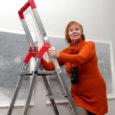Tunnustatud graafik Naima Neidre (fotol), kelle tööd on inspireerinud ka helilooja Lepo Sumerat muusika loomisel, avas Saaremaa kunstistuudio galeriis oma ligi veerandsajast teosest koosneva isiknäituse.