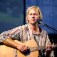 Praegu ümber maailma purjetav laulja, helilooja ja näitekirjanik Jaan Tätte annab tänavu suvel oma ainsad kontserdid Kaali meteoriidikraatris.