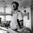 Saaremaalt on võrsunud mitmeid tuntud meremehi ja laevakapteneid, kes on seilanud erinevatel maailma meredel. Mitmed neist on leidnud endale võõrsil uue kodumaa, kuid meremehe ametit nad hüljanud pole. Üks neist meestest on kapten Rudolf Laurens (Suurhans), kelle sünnist möödus eile 100 aastat.