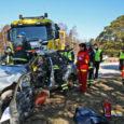 """Eile kihutasid operatiivautod Põripõllu poole, sest Orissaare–Tornimäe tee esimesel kilomeetril toimunud nelja sõiduki kokkupõrkes oli kaks inimest surma saanud ja kümmekond vigastada. Õnneks oli siiski tegemist politsei, päästjate ja kiirabi ühisõppusega ning """"kannatanud"""" läksid pärast abisaamist haigla asemel hoopis koju."""