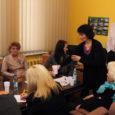 Suur oli Keskerakonna Saaremaa piirkonnaorganisatsioonist väljaastunute imestus, kui nad pea poolteist kuud pärast lahkumisavalduse kirjutamist avastasid, et avalikkuse silmis on nad jätkuvalt erakonna liikmed. Nagu sellest veel vähe oleks, hoiab erakond kinni ka inimest, kes kirjutas lahkumisavalduse juba kaheksa kuud tagasi.